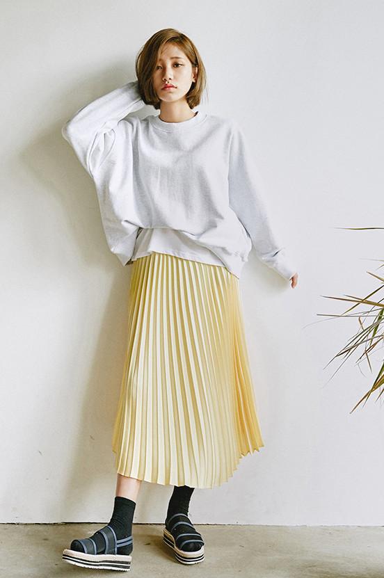 這個芥末黃的百褶裙也太仙了吧!