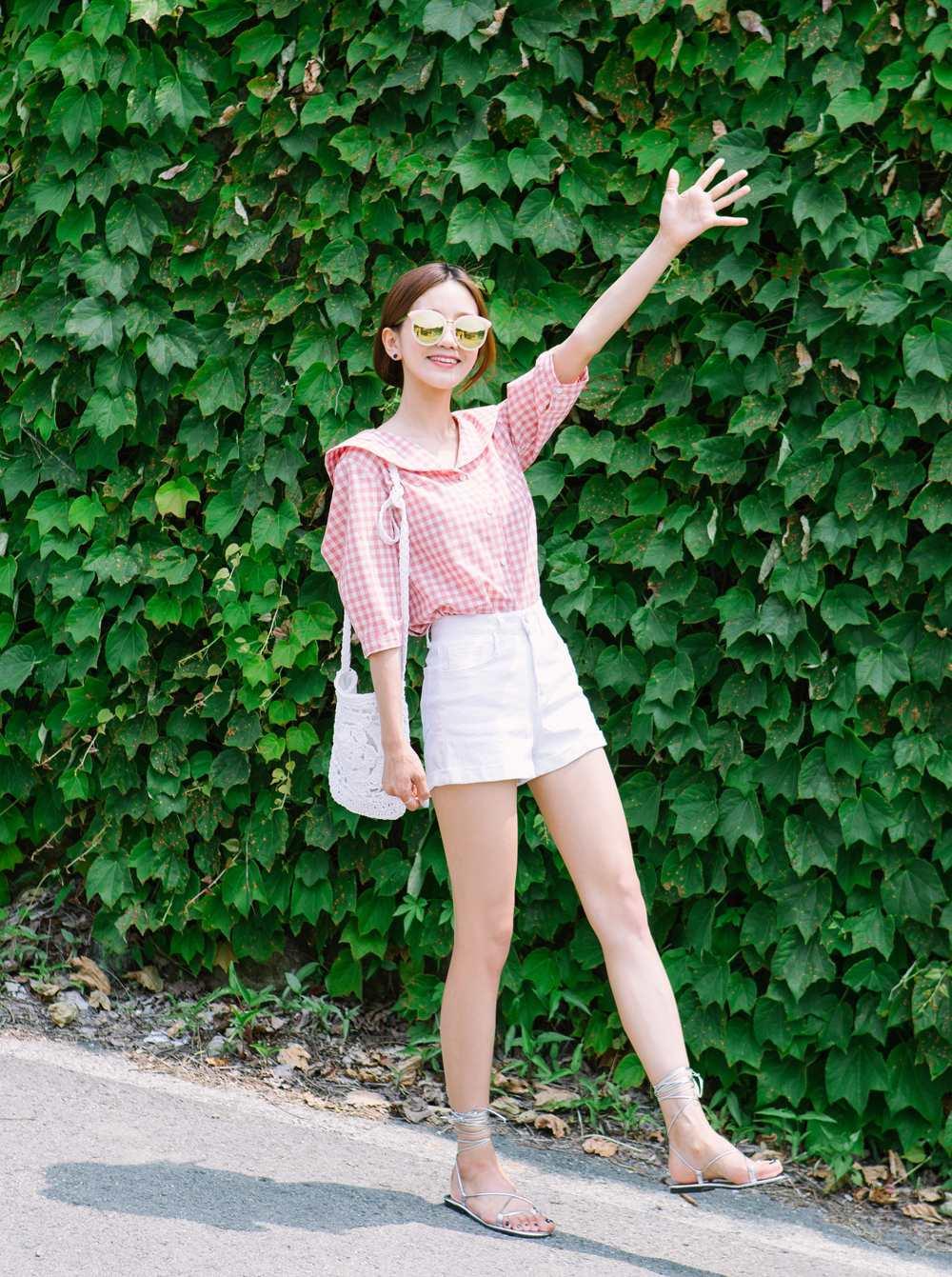 嫩粉色,真的很適合牛奶肌的女生,營造出一種乾淨舒服的美感。