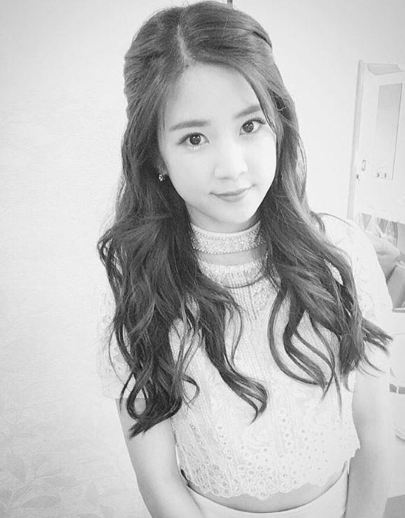 事情要從Apink美麗的隊長初瓏的 instagram 上說起~7月30日、31日在日本福岡舉辦了2016「MBC Korean Music Wave」演唱會