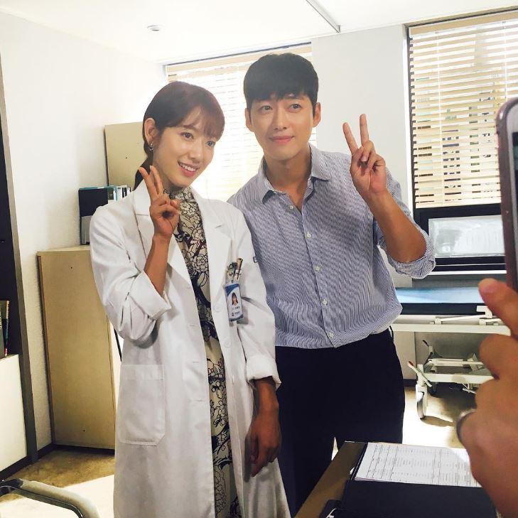 南宮珉在13-15集中特別出演為了替孩子籌醫藥費而想自殺的單親爸爸南風,從殺人魔到充滿父愛的父親,演技被大讚有突破而得到很多好評