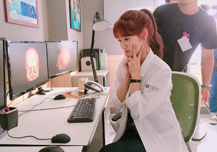 不過也有人認為以醫院為背景的《Doctors》本來就是會遇到很多患者,特別出演是必須的,特別出演也是這部劇的看點之一