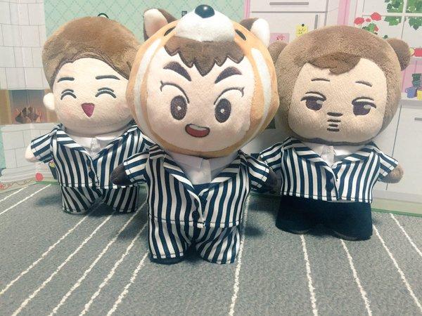 因為社長是EXO的粉絲...所以還有EXO的表演服哦:-D