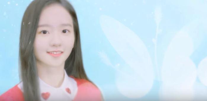 而且也被說是以潤娥、Krystal為範例加入的成員,雖然在節目上的歌聲是清新路線,不是像太妍那樣的主唱等級,但可愛的外貌和在加入SM前就已被注目的實力仍讓她備受期待