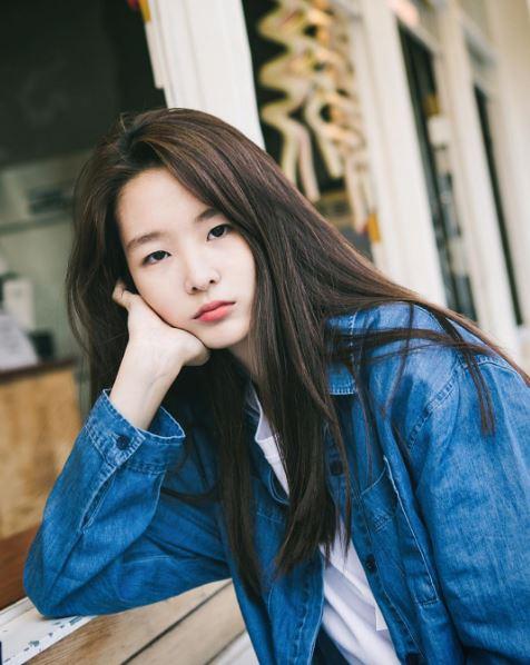 第一位名字是서윤 ( seoyoon ) 輪廓神似Red Velvet的瑟琪!!!