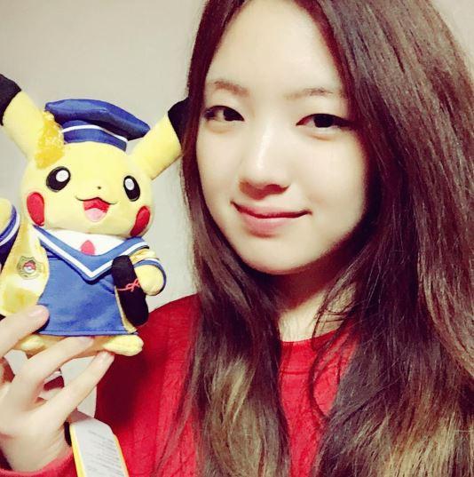 一次解開了雪炫和智珉的封印,還把粉絲心中最掛念的有慶照片一起更新~難怪AOA的粉絲每個人在臉書上留言時,不少人都大呼超感動!