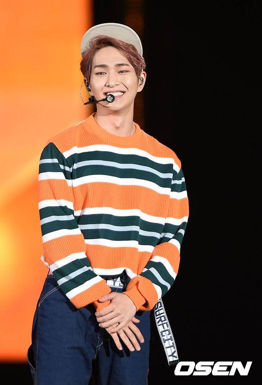 作為SHINee的隊長溫流,溫柔的嗓音以及實力堅強的歌唱實力,讓粉絲們期待他會跟成員泰民跟鍾鉉一樣開始SOLO活動...