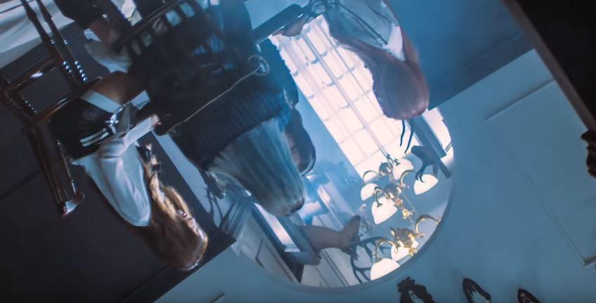 而Black Pink的MV中也有相似的一幕