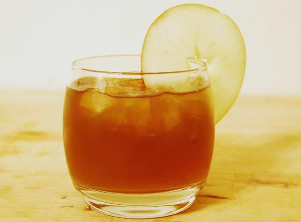 可以加一點在水中泡來喝,也可以加在食物裡,或是和按摩油混合後按摩大腿。