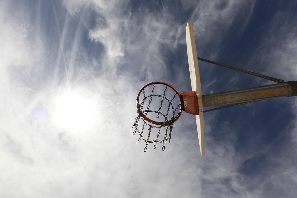 ♐ 射手座 (11.22~12.21)☞ 運動場所 射手每一天都可以活力四射,不論在什麼場合,他都能營造出一個輕鬆、愉悅的氛圍。在健身房、網球場、游泳館等運動場合約會,能讓彼此交流更輕鬆自然。