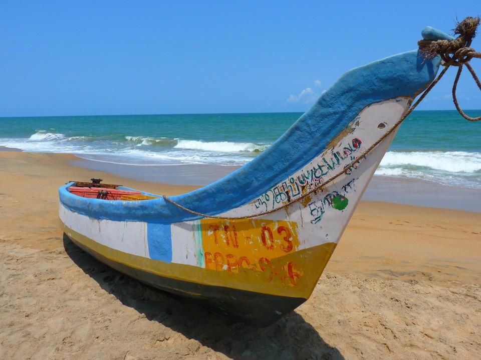 ♓ 雙魚座 (2.20~3.20)☞ 有水的地方 如水般溫柔的雙魚,作為魚兒肯定離不開水啦,所以最好約在海邊、江邊、湖邊、河邊,不管什麼邊,只要有水就對了,走在沙灘上,吹著海風散著步,真是溫馨又浪漫!
