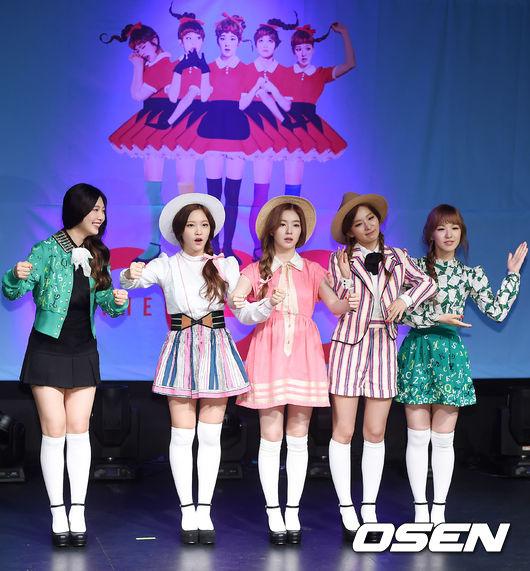 不過說到SM旗下和造型師有過最多次交手經驗(?)的,莫過於小師妹Red Velvet莫屬了!《dumb dumb》時期更是Red Velvet造型大好與大壞的顛峰!