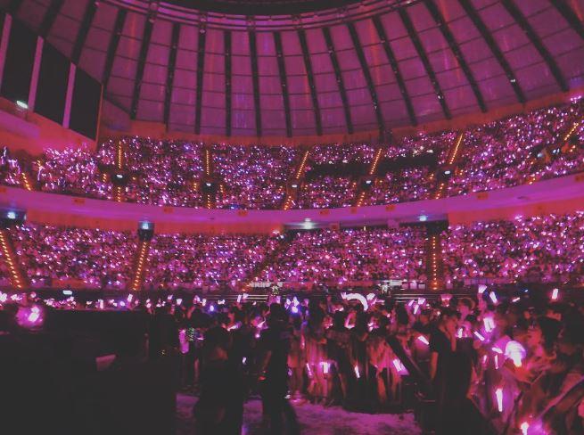 SM TOWN昨日在東京巨蛋順利完成演出,而少女時代成員Tiffany也在演出之後在個人IG上和粉絲分享慶功宴的照片。
