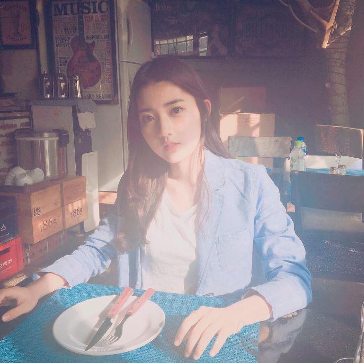 她也即將在《我的野蠻女友》電視劇版中出演哦~預計在2017年播出是青春題材的歷史劇,是100%事前製作的電視劇唷~
