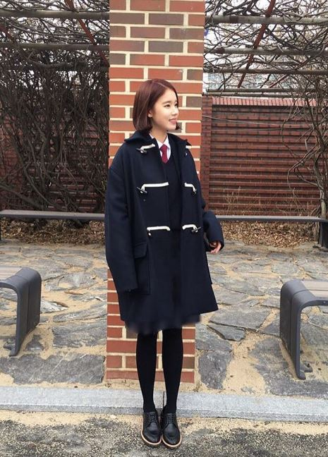 其中一部就是《任意依戀》,在劇中朴煥熙飾演高中時期秀智的摯友-高娜莉,穿校服的樣子真的好可愛啊~~(真的無法相信已經是一個孩子的媽啊!)