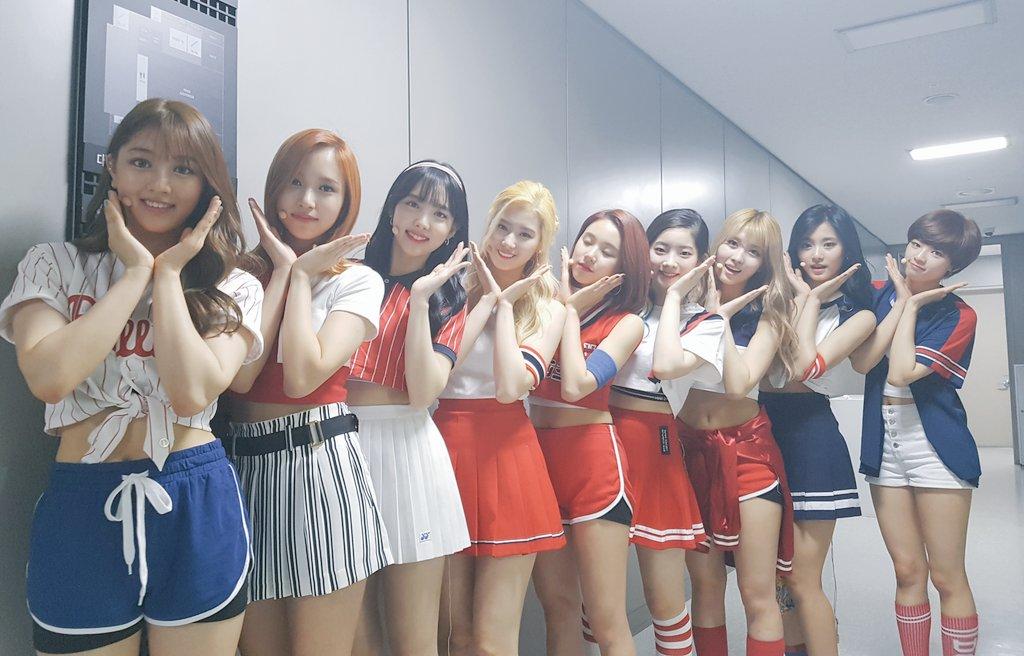相當有望打破由師姐Wonder girls的《Tell me》創下在Melon週榜上蟬聯17週的紀錄,成為2008年以來在Melon音源榜上表現最強的女團!