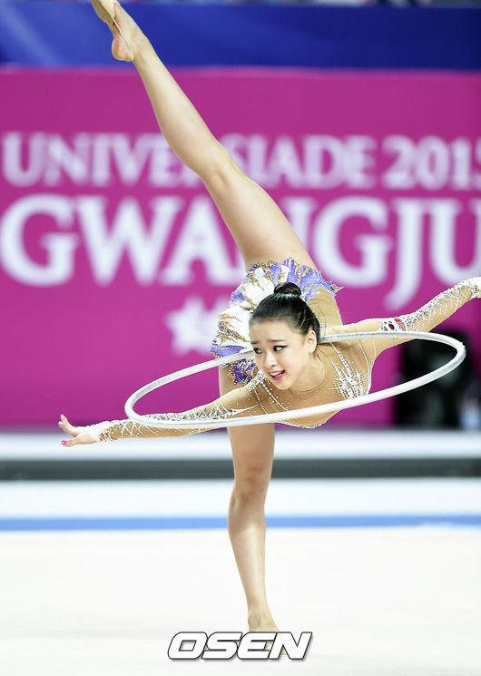 就是奧運中優雅又美麗的項目!你能想像下面哪一組女偶像穿著韻律體操的衣服呢~