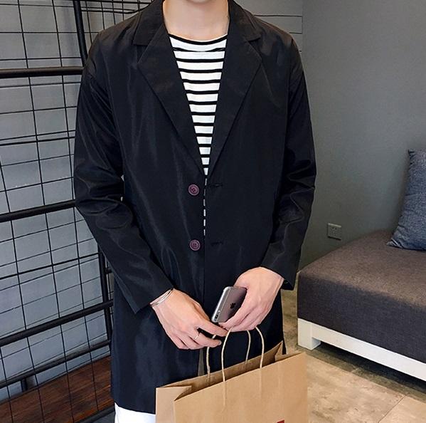 #長版外套 長版外套男生穿起來超好看啊!但是非常挑身材,如果身高不夠高的男生穿,女生應該會覺得很詭異吧?