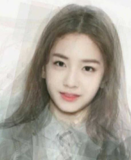加入了Somi之後,瞬間多了一分混血感!Somi的混血基因的確很強大(笑)這兩張平均外貌都讓網友直呼超有「國民初戀」的感覺,大家覺得呢?