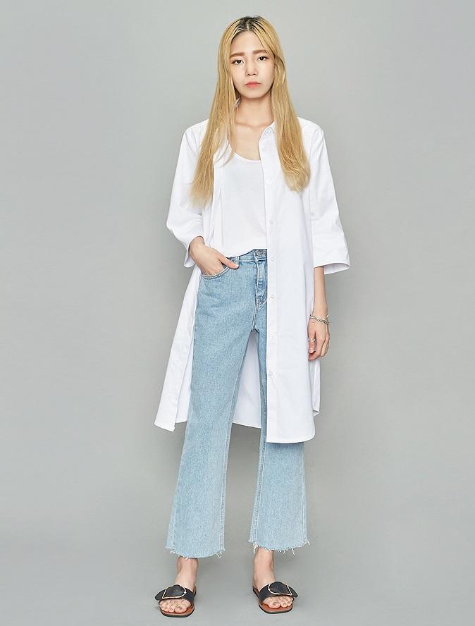 ►寬褲 摩登少女覺得,除了在台灣比較常見的絲質寬褲之外,也可以嘗試看看牛仔布料的寬褲,或者是有點偏喇叭的樣式都是不錯的選擇。