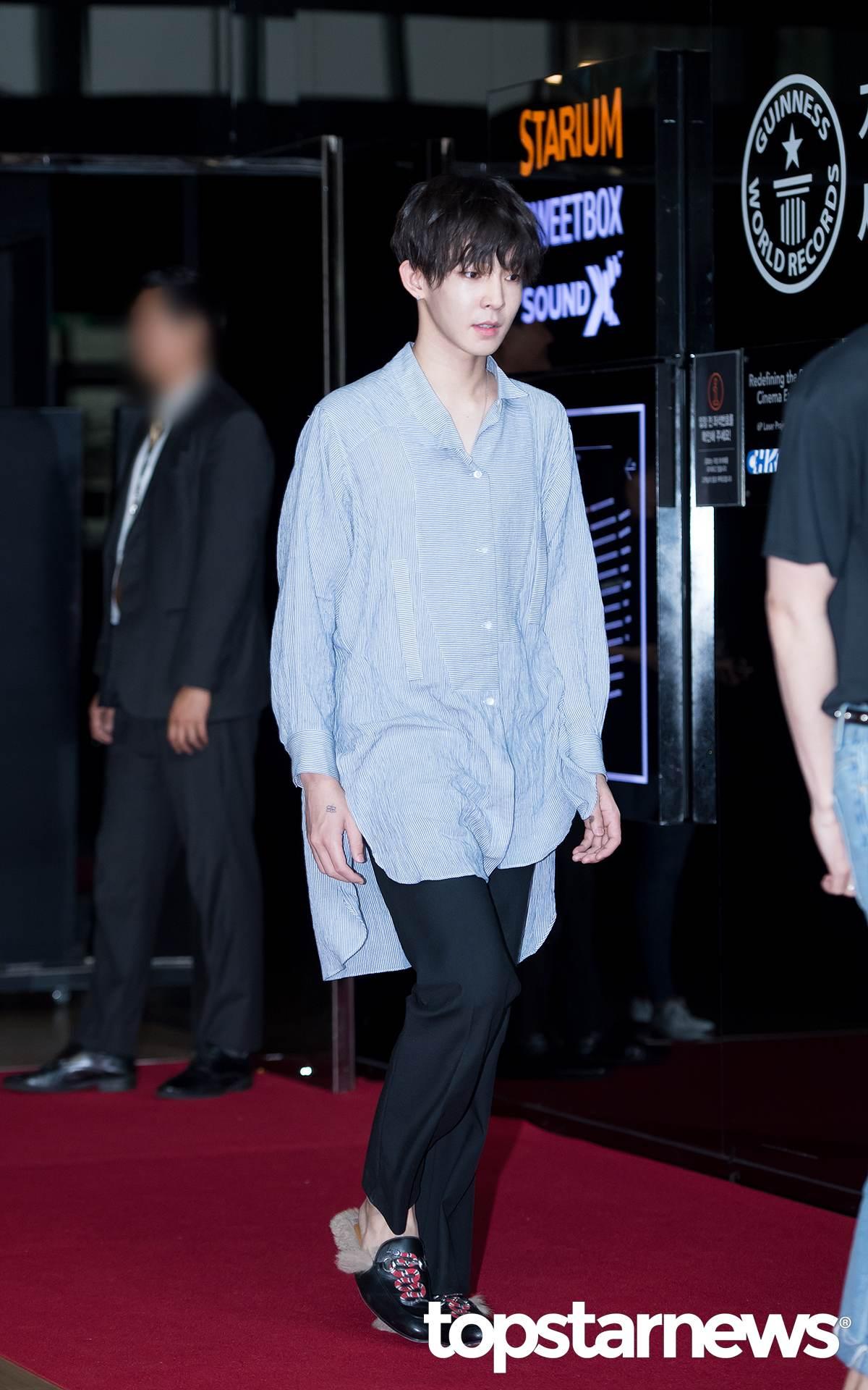 而成員南太鉉上次也被拍到以一襲難以理解,有顏值跟模特長身就任性的費解時尚出席了BIGBANG《M.A.D.E》的記者會