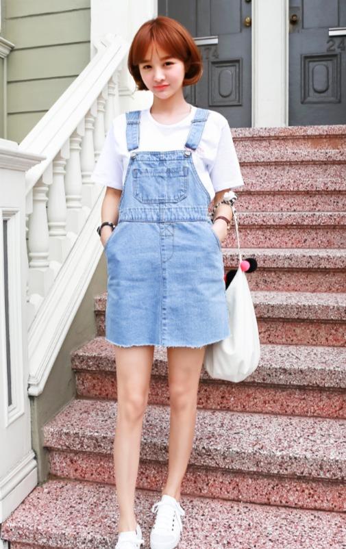 青春洋溢吊帶裙是吸引別人目光的好單品之一,可以露出長腿但又沒有性感的做作味,是絕對要買的!