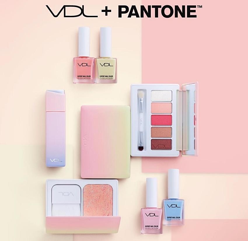 #VDLxPantone 方塊香水隨身瓶 (20ml) 當初Pantone系列一推出,瞬間秒殺眾人! 這瓶香水的價位算中等(台幣約700),衝著包裝,偽少女覺得這系列都很值得入手阿