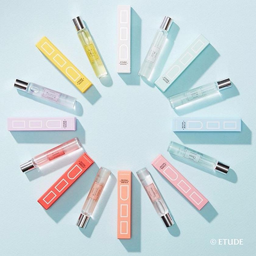 #Etude House 玩色個性香水滾珠瓶 (7ml) Etude House近期推出八種顏色與八種香味,代表八種個性不同的女生 最重要的是價格公道,就算一次買全也不會有負擔