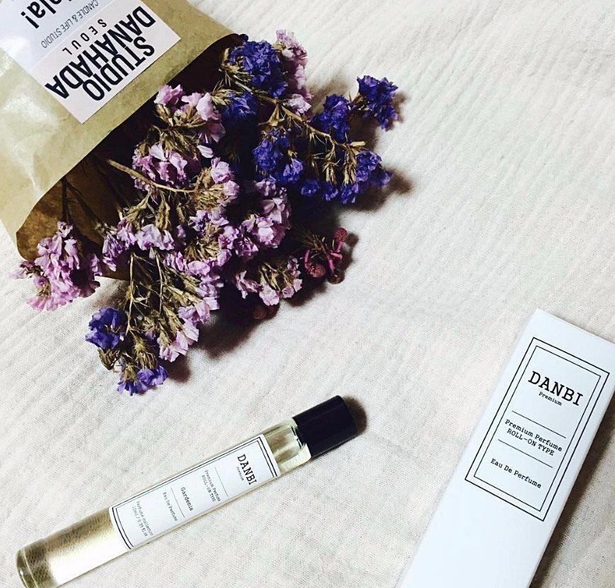 #DANBI 滾珠淡香精 (10ml) 韓國簡約香氛品牌,用天然植物萃取的香氛精油 純天然的成份、加上方便攜帶的設計,價格也平易近人(台幣約450),在韓國廣受好評
