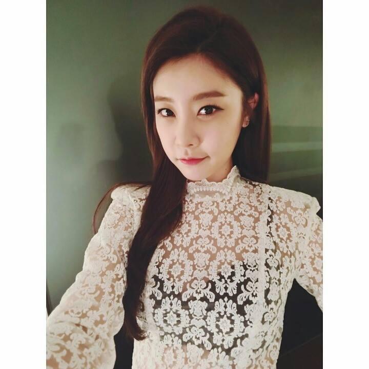 主唱Sojin則是參加了不少的綜藝節目,展現「理工女神」高IQ的一面,還配合節目參與了導演的工作,Girl's day的上半年雖然是個人活動為主,但依舊繳出了漂亮的成績單