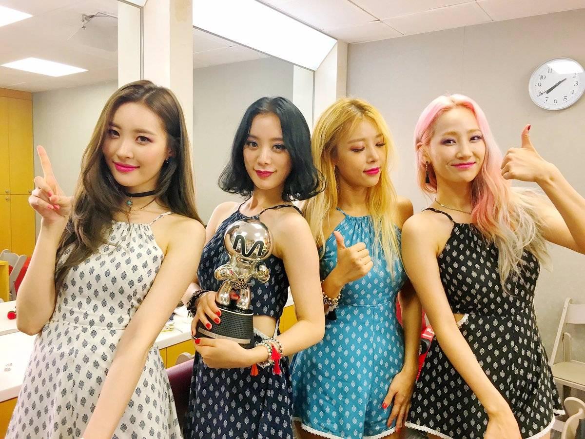 ♥第3名-2NE1 總票數:11票 ♥第2名-Wonder Girls 總票數:16票