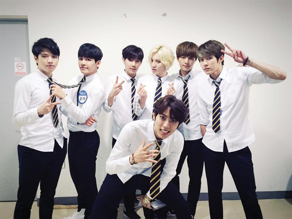 Infinite-東雨 Infinite整體知名度在韓國相當高,但各別成員的知名度卻隨曝光度有稍稍的差異。像是聖圭不僅有歌唱實力,綜藝節目也相當有個人特色,優鉉日前發行的solo專輯也讓不係人注意到他,L、Hoya則因為參與戲劇演出,算是韓國觀眾相當熟悉的成員