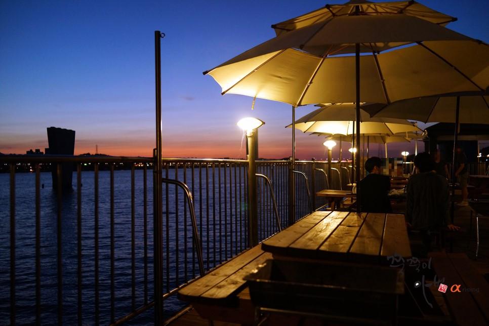 搭配黃昏時分的漢江,感覺特別浪漫呢! 這裡特別推薦好友們一起來,或是情侶想有些不一樣的體驗也很合適!
