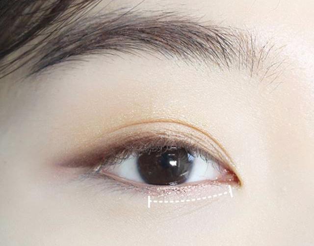 大地色眼妝雖百搭卻太普通?!立體、深邃的大地色眼妝要這麼畫