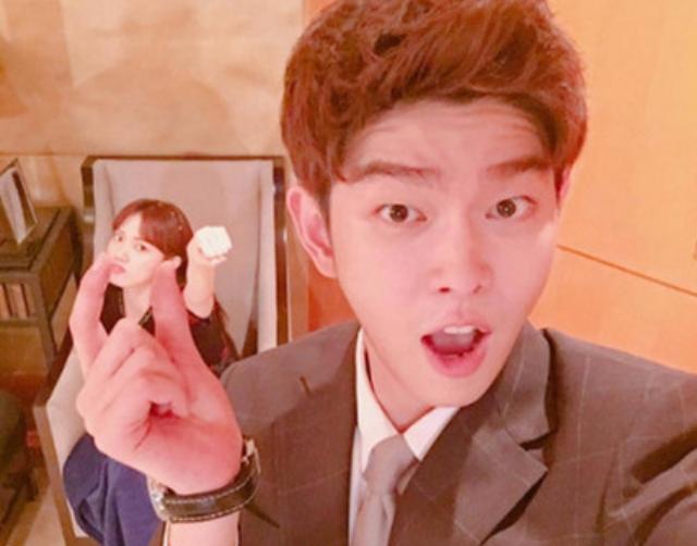 太甜蜜♡劇中一見面就吵架的兩個人 劇外卻被韓國網友喊話「 在一起」